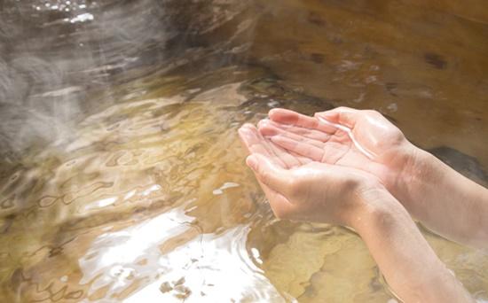 お風呂上がりのヒリヒリの原因は塩素かも!敏感肌の対策方法は?